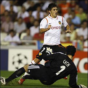 David Villa, Valencia; Petr Cech, Chelsea
