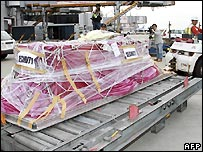 Kenji Nagai's coffin at Narita airport, Tokyo - 4/10/2007