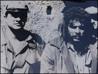 Felix Rodriguez (left) with Che Guevara