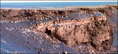 Victoria Crater, Meridiani Planum, Mars. Image: Nasa/JPL/Cornell