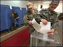 Conscripts vote in Ukraine