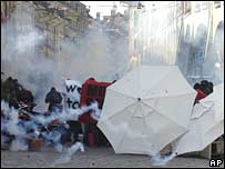 Protesters wreathed in police tear gas in Bern on Saturday 6 October 2007