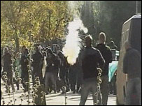 Police clash with protesters in Copenhagen (06.10)