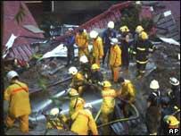 Trabajadores de rescate en Taiwan