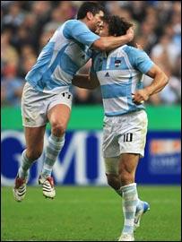 Manuel Contepomi (left) and Juan Martin Hernandez celebrate