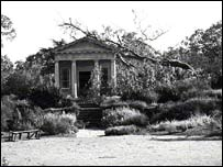 King William Temple at Kew Gardens after the 1987 hurricane (pic: RBG Kew)