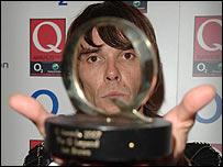 Ian Brown en la entrega de premios de la revista de crítica Q
