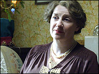 Victoria Wood in Housewife, 49