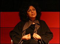 Doris Salcedo en la galer�a Tate Modern.  Foto: Manuel Toledo