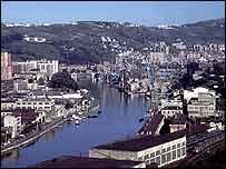 بلباو كبرى مدن إقليم الباسك شمالي إسبانيا