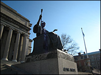 Statue of the Alma Mater at Columbia University (Pic: Magnus Torfason)