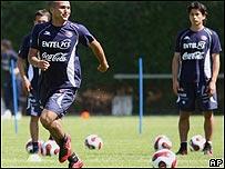 Humberto Suazo y Matías Fernández