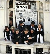 Agos staff mourn Hrant Dink