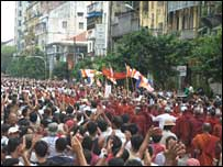 Monks and ordinary people demonstrating in Rangoon (Photo by Pierre Darbellay)