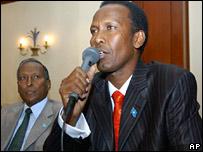 Somali PM Ali Mohammed Ghedi (r); Somali President Abdullahi Yusuf (l)