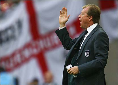 England boss Steve McClaren encourages his side
