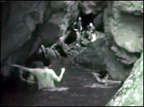 Rescuers search cave in southern Thailand