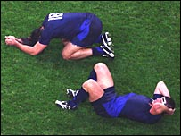 Jean-Baptiste Poux and Sebastien Chabal's react to France's defeat