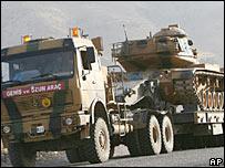 Turkish tanks head for the Iraqi border (file photo)