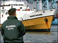 The Odyssey Explorer is led into the port of Algeciras on 16 October 2007