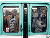 A crowded Paris metro train