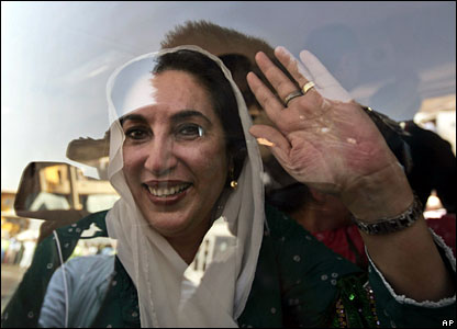 Benazir Bhutto in car