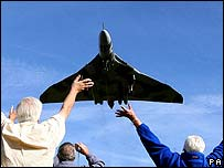 Vulcan bomber flying
