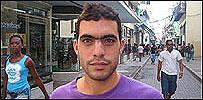 Humberto Gonzalez en una calle en La Habana