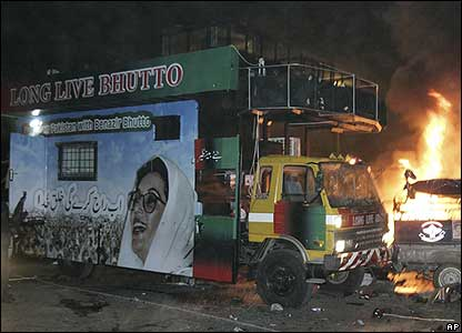 Aftermath of bomb attacks on truck carrying Benazir Bhutto