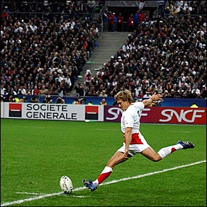 Jonny Wilkinson kicks a second penalty for England