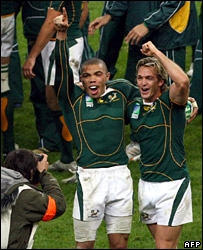 Bryan Habana and Percy Montgomery celebrate