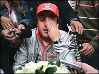 Fernando Alonso feels the pressure of media questioning