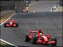 Felipe Massa leads Kimi Raikkonen and Fernando Alonso early in the Brazilian Grand Prix