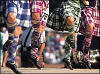 Highland dancers (Pic: VisitScotland/ScottishViewpoint)