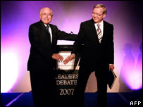 Australian Prime Minister John Howard (l) and opposition leader Kevin Rudd.