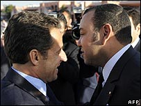 French President Nicolas Sarkozy (L) and Morocco King Mohammed VI