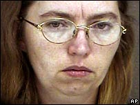 Lisa Montgomery, convicted of the death of Bobbie Jo Stinnett (photo from time of her arrest in December 2004)