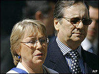 Presidenta Michele Bachelet y Belisario Velasco. ministro del Interior