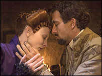 Cate Blanchett and Clive Owen in Elizabeth: The Golden Age