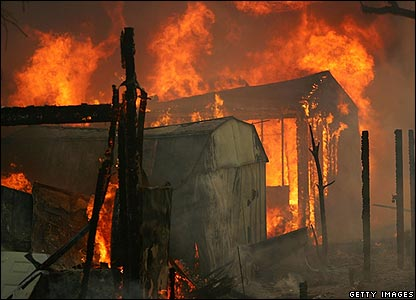 Homes in flames at the Valley Oaks mobile home park