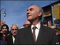 Foto de archivo / Fernando De la R�a en campa�a, en 1999