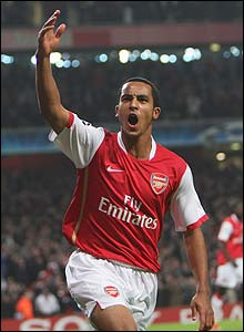 Walcott grabs his second in the 55th minute
