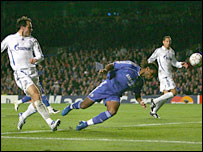 Didier Drogba heads Chelsea's second goal