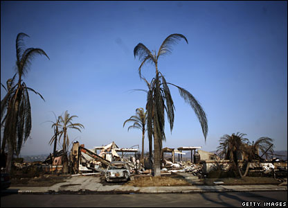 Ruins of a home in San Diego, California, 24 October 2007