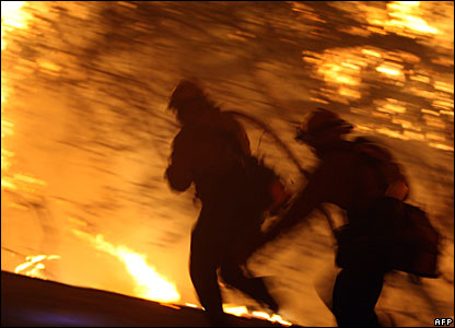 Firefighters in San Diego county, 24 October 2007