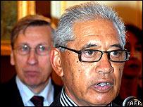 Maori representative Ariki Nuitumu Te Heuheu and Rouen mayor