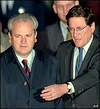 Slobodan Milosevic (left) and Richard Holbrooke at Dayton, Ohio in 1995