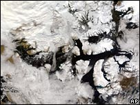 Satellite images from Nasa show an ice-free passage