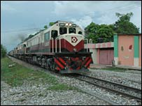Train passes through Aracataca, Garcia Marquez's hometown