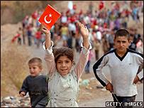 Habitantes turcos de la frontera protestan contra el PKK